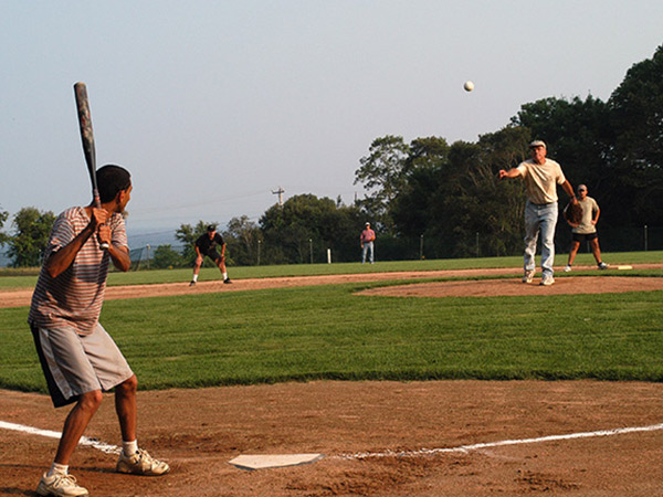 graphics-WHOI-Softball-DSC_0009