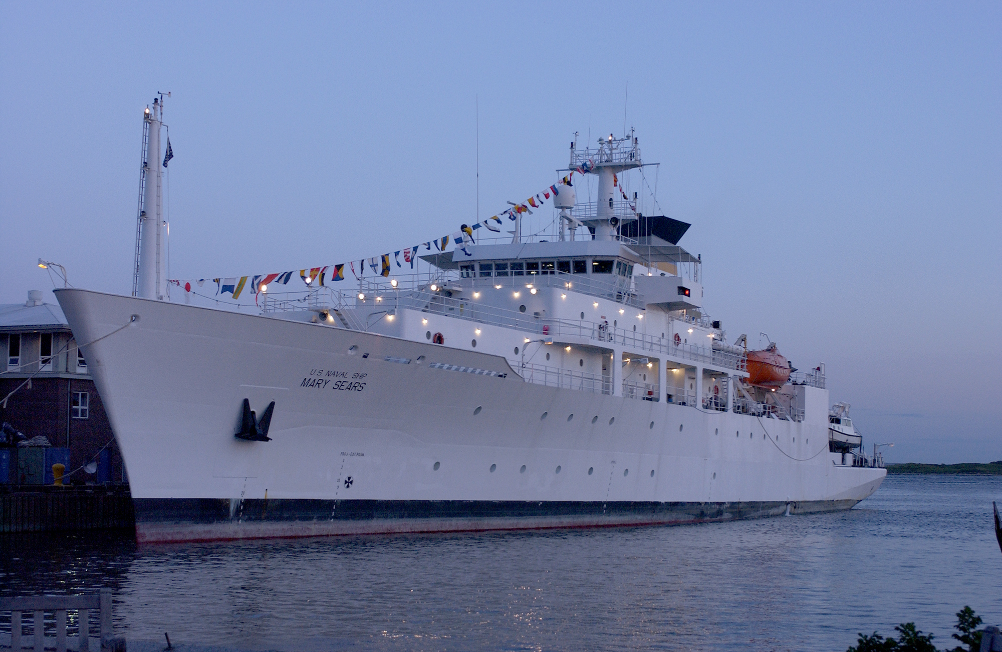 USNS Mary Sears visits WHOI in July 2002. (